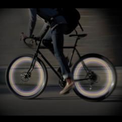 Eclairage LED sur valve de roue pour vélo