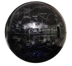 Globe-carte des constellations à lévitation magnétique