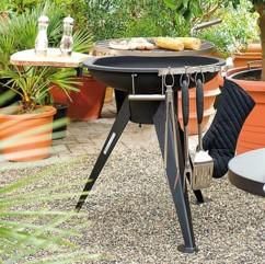 Barbecue à charbon avec tablette latérale