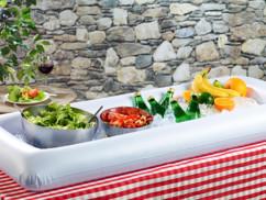 Buffet gonflable à glacon pour été avec salades et boissons