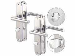 Deux poignées de porte AGT en acier inoxydable avec verrou.