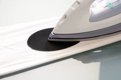 patch thermocollant pour réparation trous dans textile noir