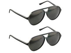 2 lunettes à trous