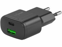 Chargeur secteur noir de 30 W avec port USB-A Quick Charge et USB-C Power Delivery.